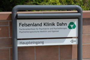 tn_Außenanlage Felsenland Klinik (629)